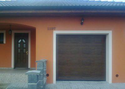 Vrata sekční garážová hnědá kazetová