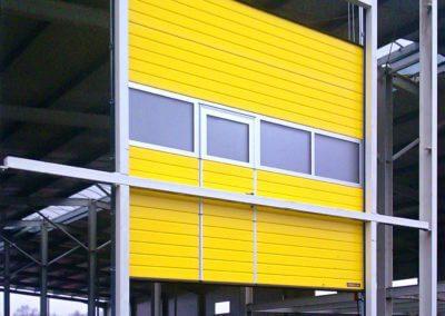 Vrata sekční průmyslová na ocelové konstrukci