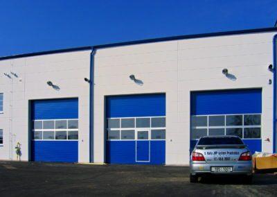 Vrata sekční průmyslová prosklená s dveřmi