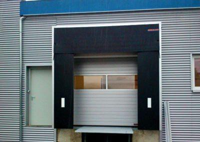 Vrata sekční průmyslová s těsnícím límcem 03