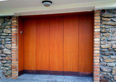 Vrata sekční posuvná privátní