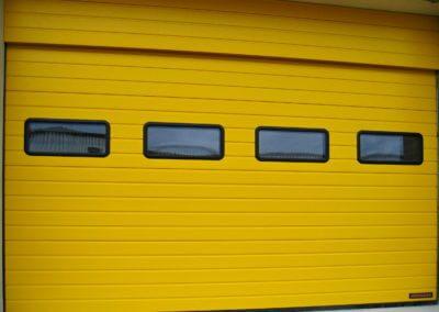 Vrata sekční průmyslová Hörmann s okny