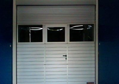 Vrata sekční průmyslová s dveřmi 02