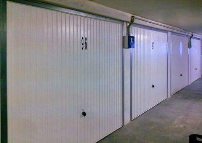 Vrata výklopná garážová (2)