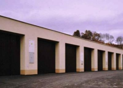Vrata výklopná privátní garážová (2)