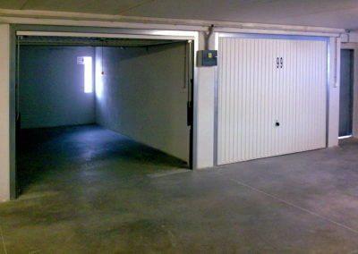 Vrata výklopná garážová (3)