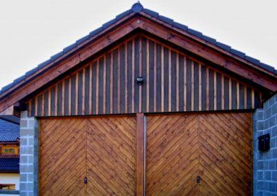 Vrata výklopná privátní s dřevěnou výplní (3)