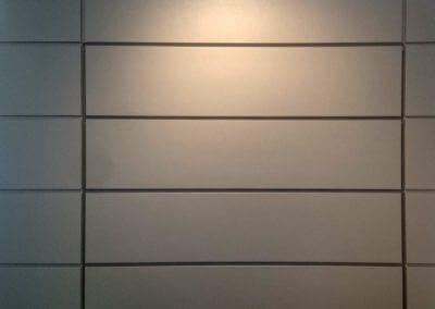vrata sekční garážová do fasády
