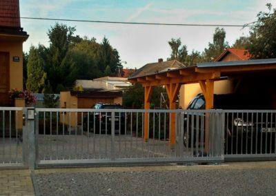 brána posuvná nesená hliníková s brankou