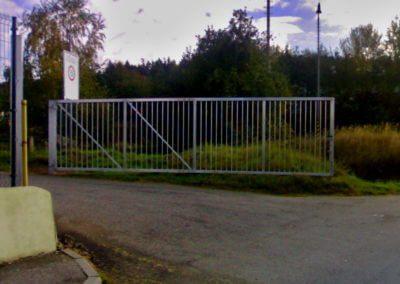 Brána jednokřídlá průmyslová pozinkovaná s manuální aretací