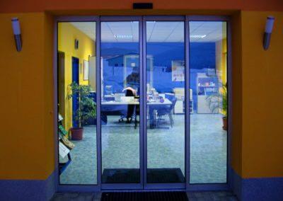 Dveře automatické lineární centrální hliníkové (2)