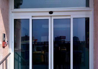 Dveře automatické lineární centrální hliníkové (7)