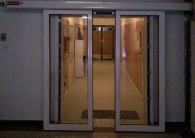 Dveře automatické lineární centrální protipožární