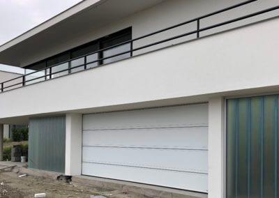 sekční garážová vrata Hörmann LPU, drážka T, nerezový profil