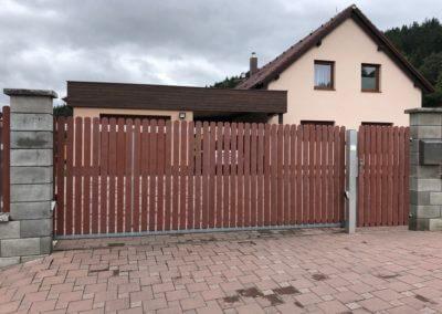 61-Brána posuvná nesená hliníková
