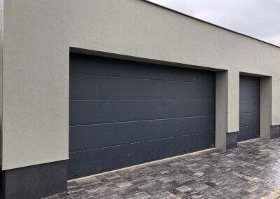 akční garážová vrata hormann renomatic planar ch7016 matná antracit. Vrata pro dvojgaráž a samostatnou garáž