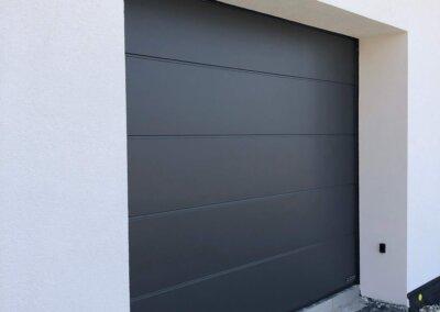 sekční garážová vrata antracit