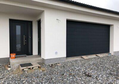 sekční garážová vrata hormann sandgrain ral 7016