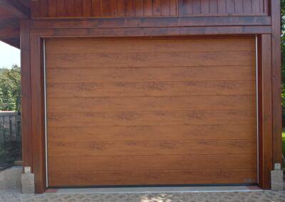 sekční garážová vrata hormann renomatic, golden oak vrata, vrata zlatý dub, vrata imitace dřeva, hormann renomatic, hormann sekční garážová vrata, vrata imitace dřeva